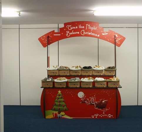 christmas-display-pop-up-stand-1